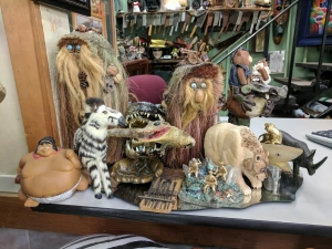 Unique Collectibles Dearborn MI - Dixieland Flea Market - -1