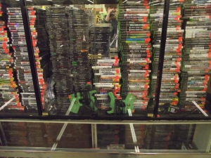Unique Collectibles Dearborn MI - Dixieland Flea Market - Contempo-Xbox-Games
