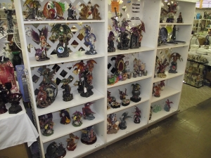 Unique Collectibles Dearborn MI - Dixieland Flea Market - Fayes-Glass-Statues