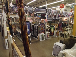 Unique Collectibles Detroit MI - Dixieland Flea Market - Gabe-General