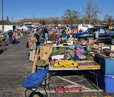 Become A Seller At Dixieland | Flea Market Vendor Waterford MI - outdoor1